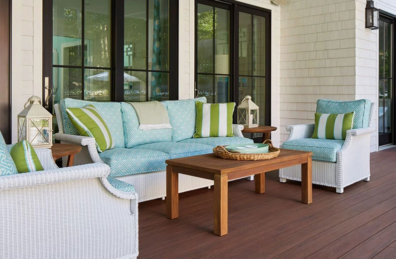 deck color trends for a white house